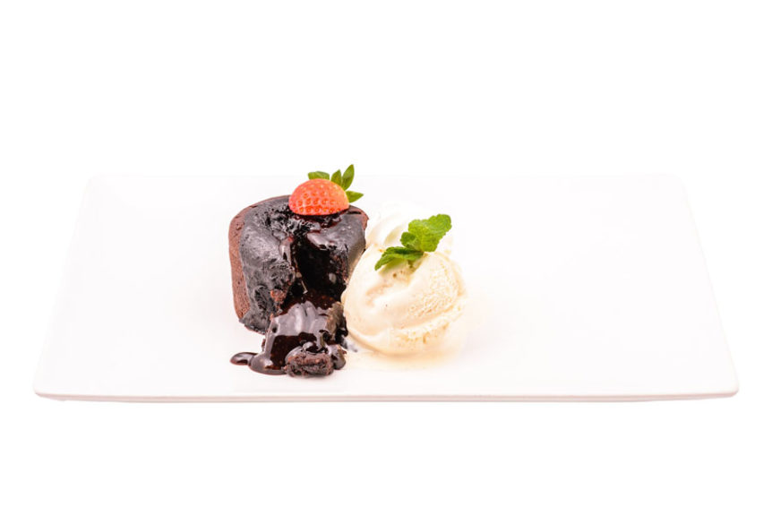 Lava cake cu inghetata Club 32 Pitesti