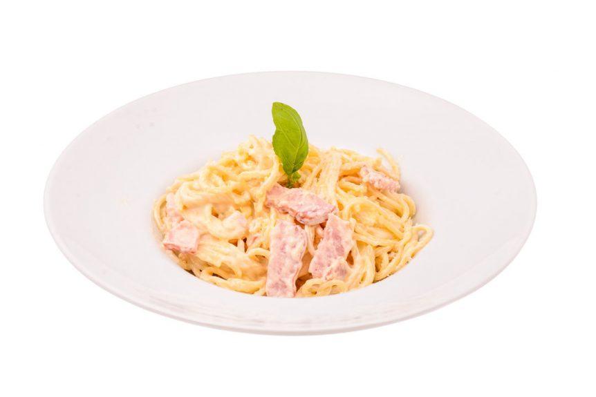 Spaghetti Carbonara spaghetti,ou,branza,bacom,parmezan Club 32 Pitesti